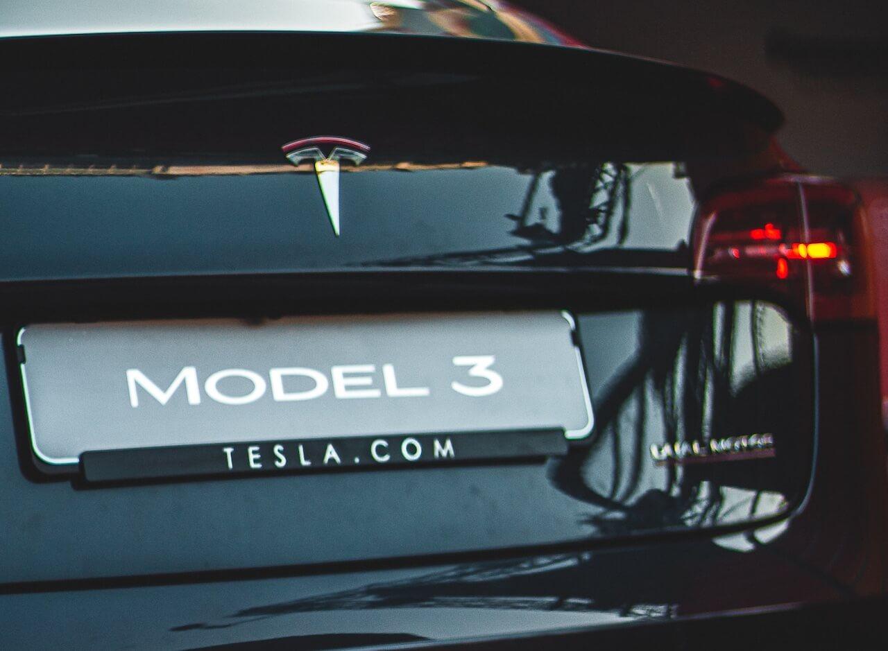 tesla-model3-black