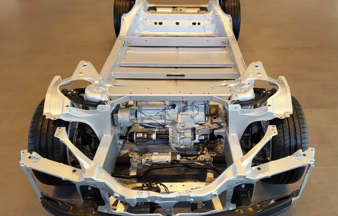 tesla-skateboard-rolling-chassis-front