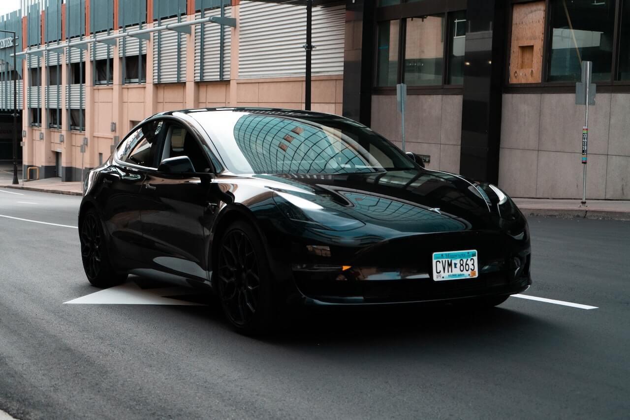 model3-black02